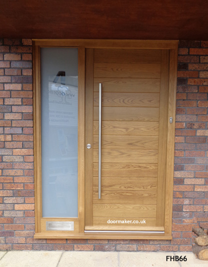 oak contemporary door and sidelight